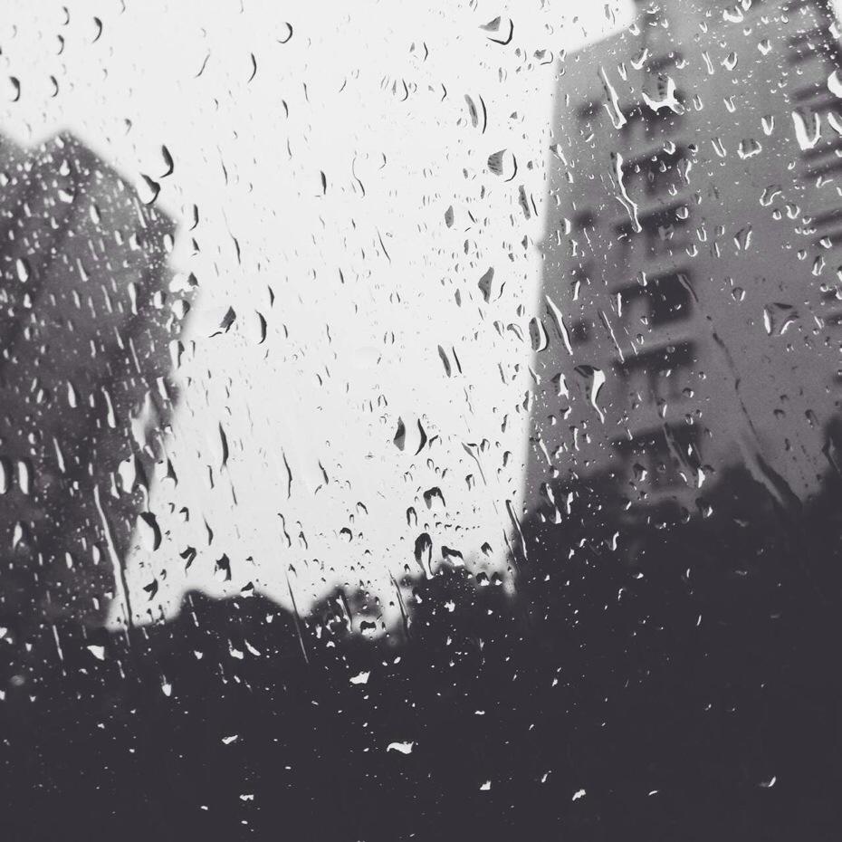 这雨把人下得过于悲伤