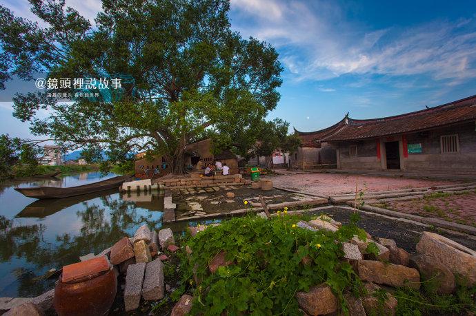 泉州:飘在蔚蓝海洋边的刺桐红